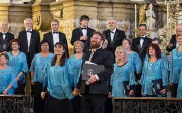 Együtt koncertezik a Tomkins Énekegyüttes és a Dunaújvárosi Vegyeskar