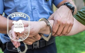 Brit embercsempészt fogtak a rendőrök a város határában