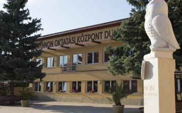 Hatosztályos gimnázium a Pannonban
