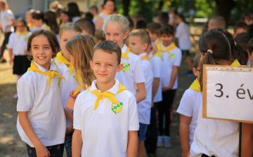 Zöld-sárgában a 70 éves Vasvári – egész héten!