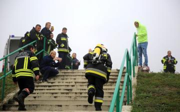 DSTV: lánglovagok lépcsőfutása