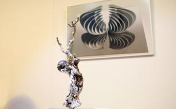 Három gyűjteményes tárlaton a Gombos-művek