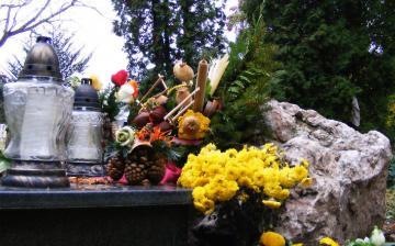 Készül a gyásznapokra a temető is