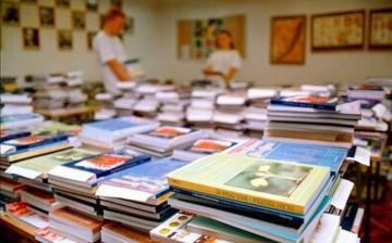 Kik kapják ingyen a tankönyveket?