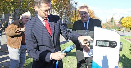 A kormány támogatja az elektromos autók vásárlását