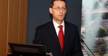Varga: A magyar gazdaság kilábalt a válságból