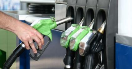 Még olcsóbb lesz a tankolás