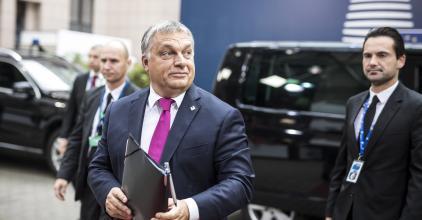 """Orbán: az EP megkezdte a """"Soros-terv"""" végrehajtását"""