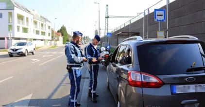 Razziáztak a rendőrök