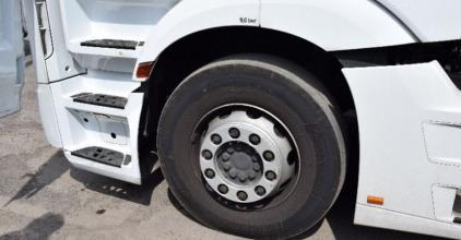 Ittasan okozott balesetet a kamionnal