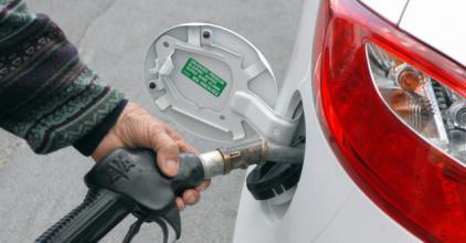 Két forinttal lett drágább a benzin