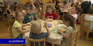 Embedded thumbnail for Szünidei ebéd a rászoruló gyerekeknek