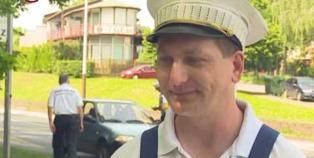 Embedded thumbnail for Lopott kocsikat kerestek - Autóvadászat Dunaújvárosban